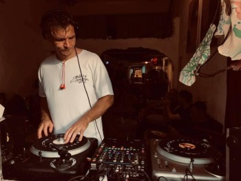 1992 Drink - Không gian giao lưu Âm nhạc DJ và Graffiti mới cho cộng đồng Hip Hop Sài Gòn