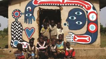 4 ngôi làng nghèo ở Châu Phi được phủ Graffiti, mô hình hay để nhận rộng tại Việt Nam