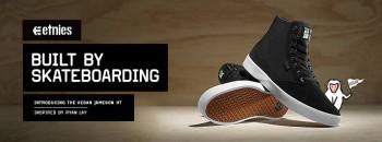 Bạn có biết đôi giày đầu tiên được thiết kế dành riêng cho môn Trượt ván là của thương hiệu nào không?