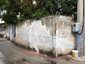 Bạn sẽ chọn gì - Một bức Graffiti gam màu trắng?