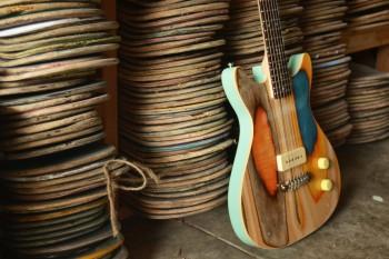 Khi tình yêu âm nhạc và chiếc ván cũ hòa quyện thành những cây đàn Guitar