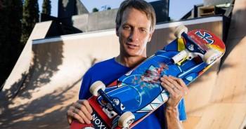 """Các bộ phận trên ván trượt của """"Bố Già làng Trượt ván"""" Tony Hawk đến từ những thương hiệu nào"""
