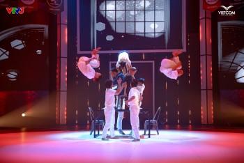 """Chương trình """"Nhóm Nhảy Siêu Việt"""" xuất hiện giám khảo mới, có hai vấn đề các nhóm liên tục bị anh nhắc đến là gì"""