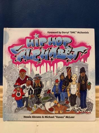 Dancer Sơn Clown giới thiệu một quyển sách ngắn mà các gia đình Hip Hop có thể tham khảo