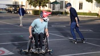 Người khuyết tật có thể trượt ván không, hãy cùng xem nhanh 2 ví dụ để có câu trả lời