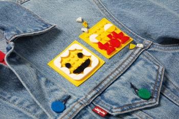 """Rapper Dế Choắt đã tùy biến hình ảnh trên chiếc áo Jeans """"The Levi's x LEGO"""" của mình như thế nào"""