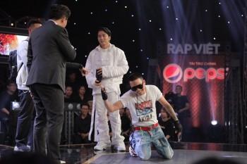 Sau những tập đầu các Huấn luyện viên Rap Việt không thay quần áo, thì gần đây trang phục của họ biến đổi không ngừng là do ai?