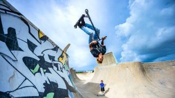 Skateboard có Tony Hawk thì Scooter có Dejion Taylor