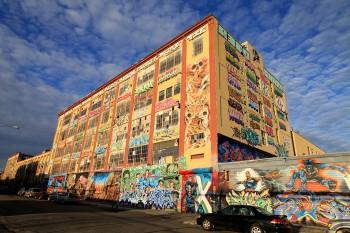 Xóa đi khoảng 11000 bức Graffiti để xây cao ốc, Chủ đầu tư phải đền bù 6.7 triệu đô la, thực tế những bức tranh đó trông thế nào